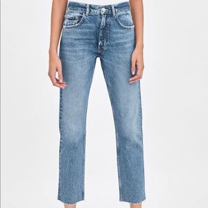 Zara Slouchy Mid Rise Jeans NWOT
